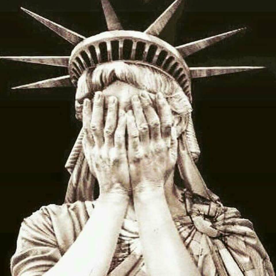 Estatua de la LIBERTAD... Puedes elegirla para poder ver.